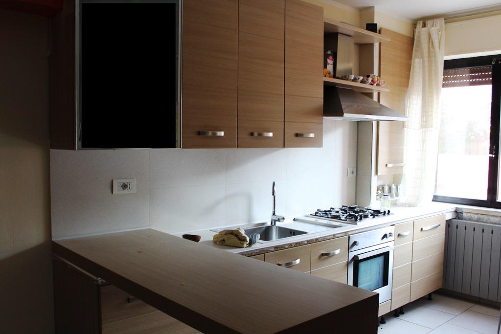 Appartamento in vendita a Agugliano, 3 locali, zona Località: Semicentro, prezzo € 60.000 | Cambio Casa.it