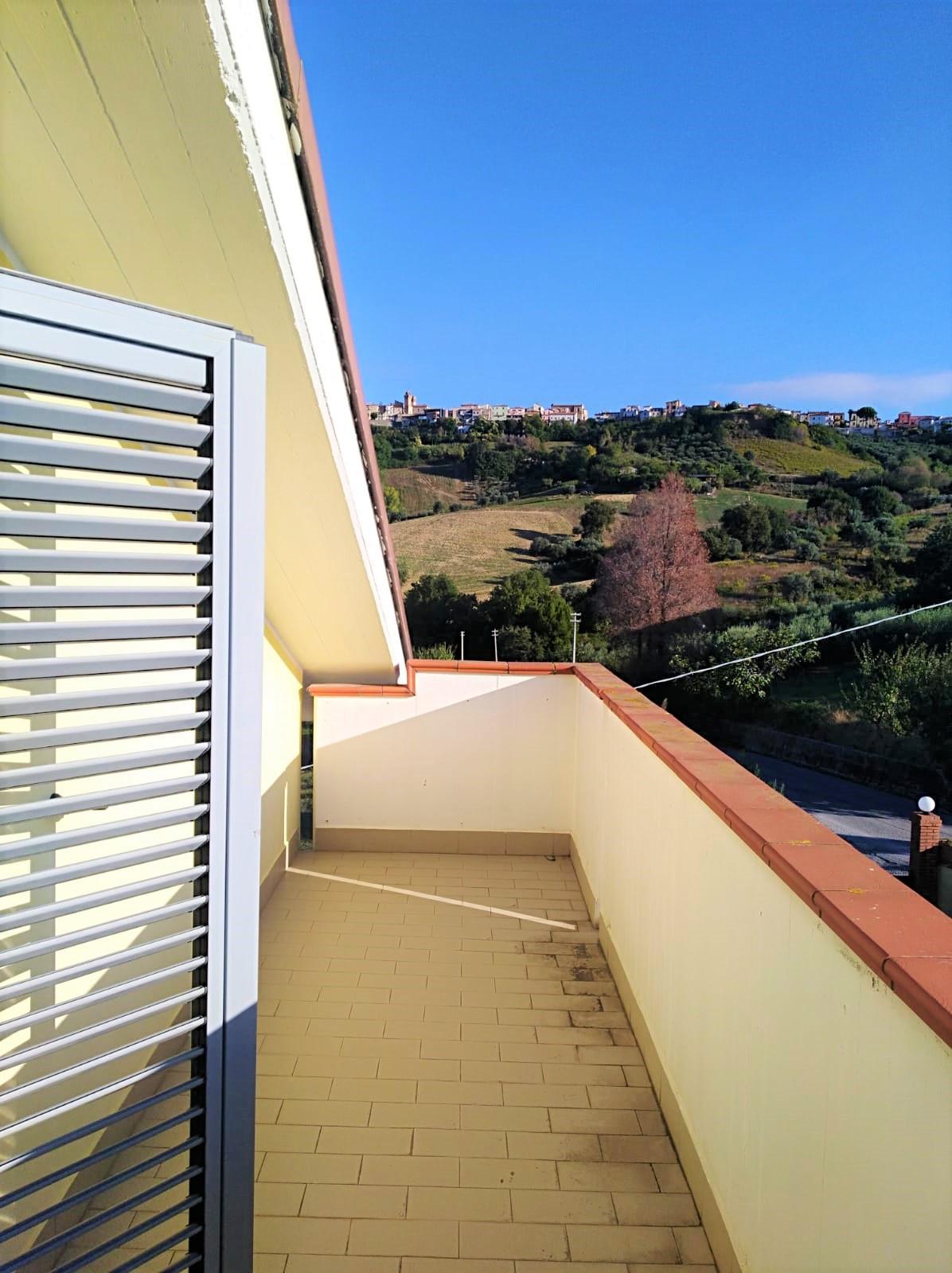 Attico / Mansarda in vendita a Tortoreto, 4 locali, zona Località: PAESE, prezzo € 45.000   PortaleAgenzieImmobiliari.it