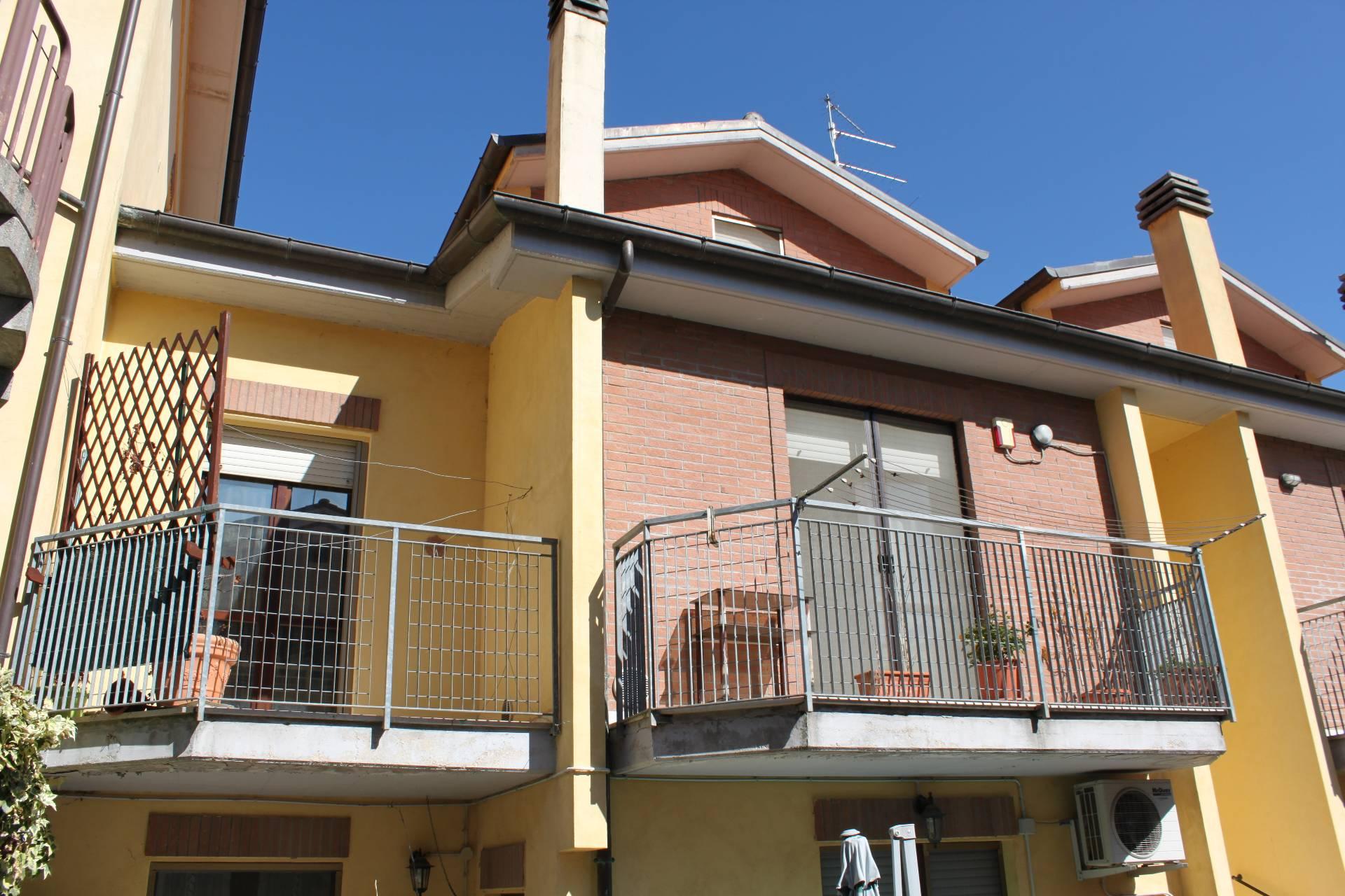 Appartamento in vendita a Agugliano, 6 locali, zona Località: Semicentro, prezzo € 149.000 | PortaleAgenzieImmobiliari.it