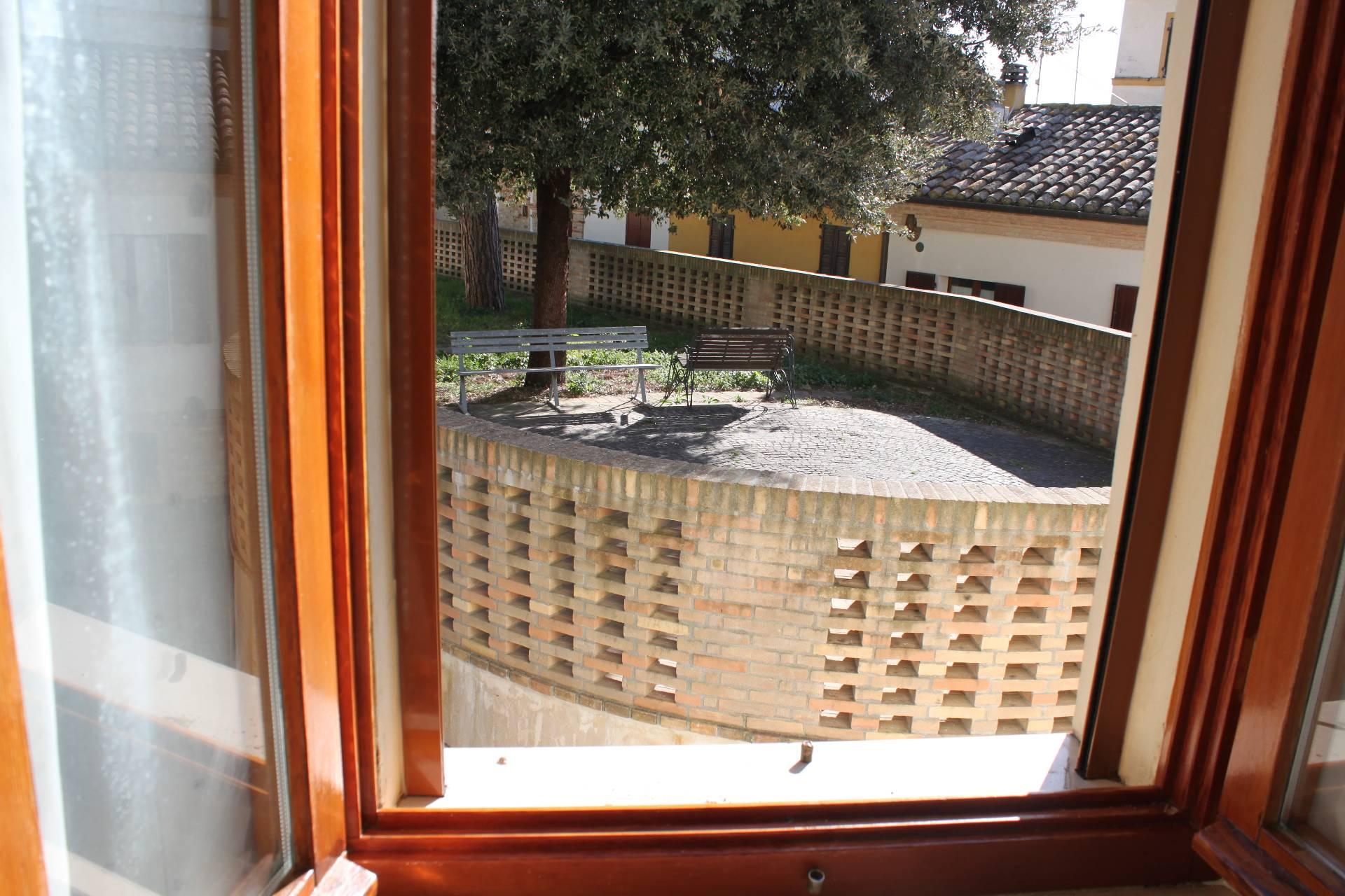 Appartamento in vendita a Agugliano, 3 locali, zona Località: CasteldEmilio, prezzo € 45.000   CambioCasa.it