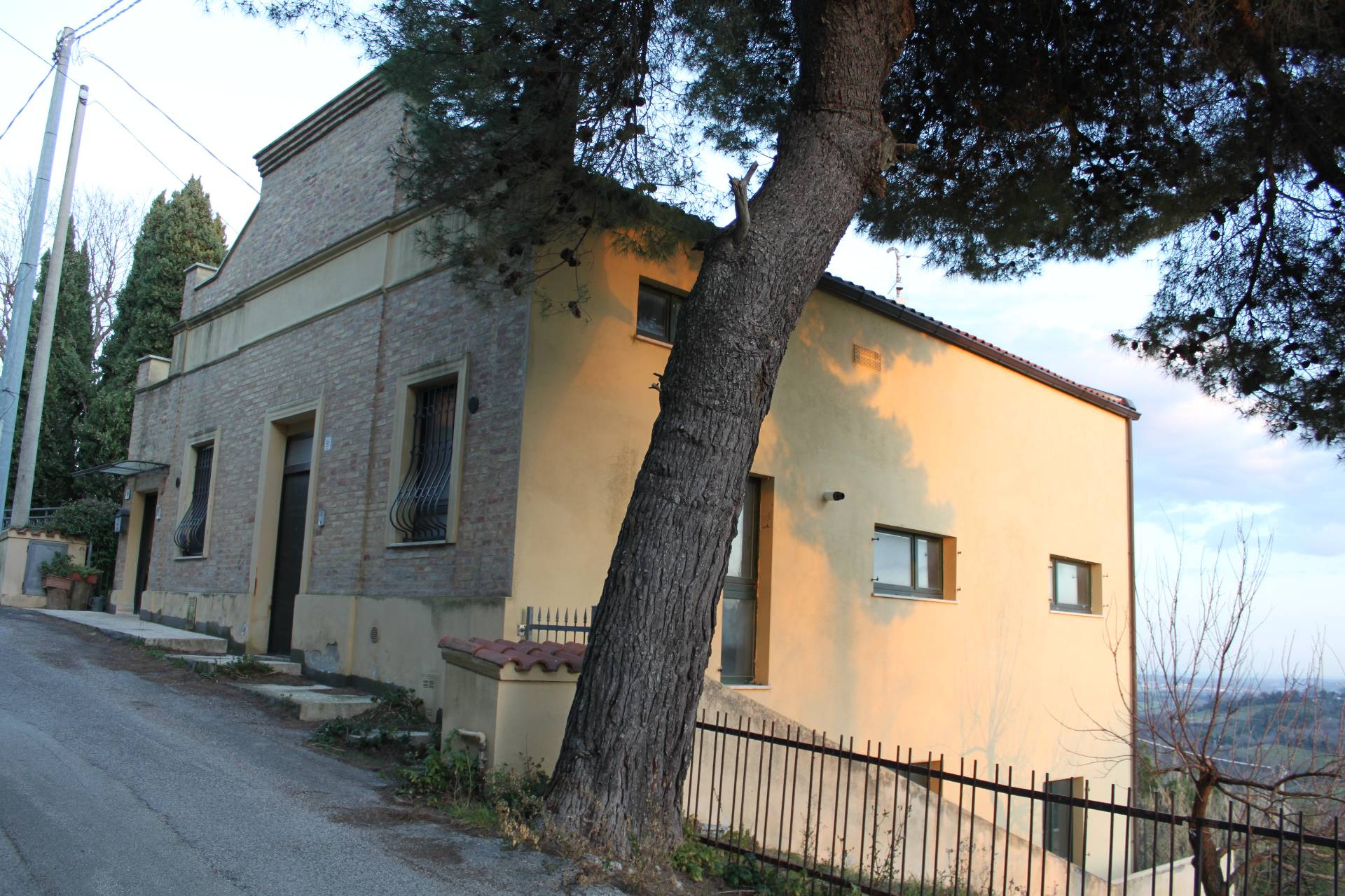 APPARTAMENTO in Vendita a Sappanico, Ancona (ANCONA)