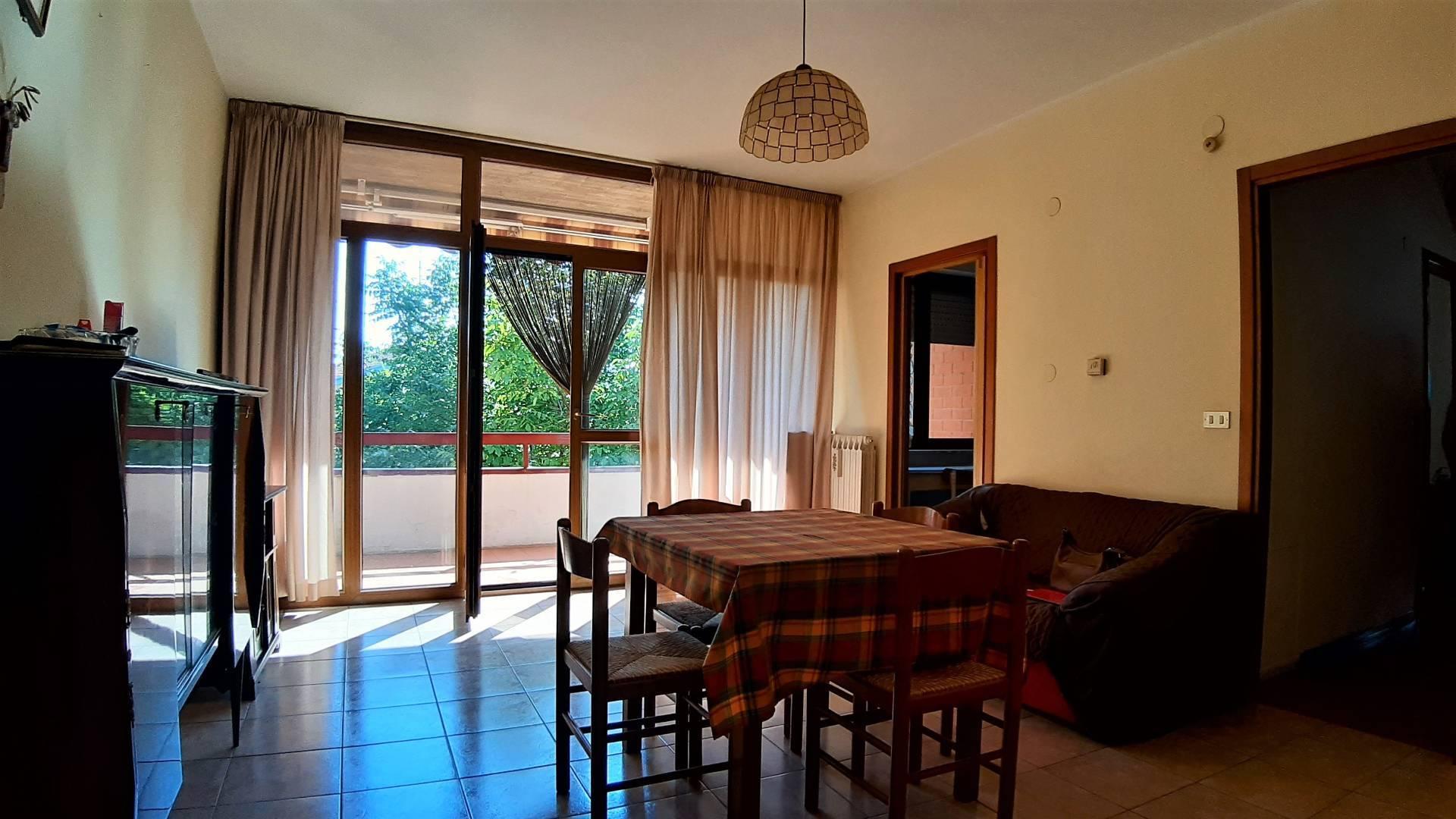 Appartamento in vendita a Giulianova, 5 locali, zona Località: PAESE, prezzo € 75.000 | PortaleAgenzieImmobiliari.it
