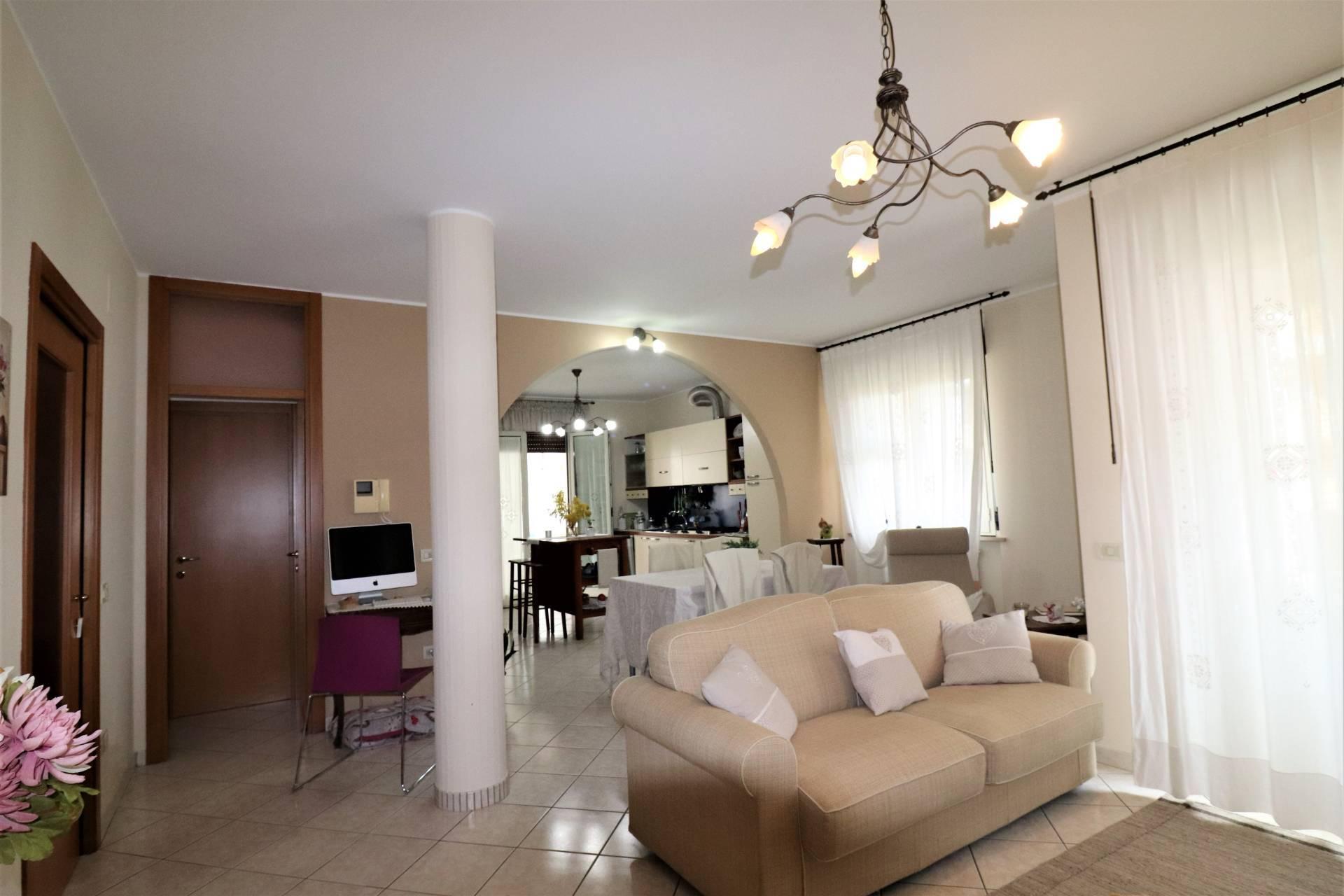 Appartamento in vendita a Giulianova, 5 locali, zona Località: VILLAPOZZONI, prezzo € 140.000 | PortaleAgenzieImmobiliari.it