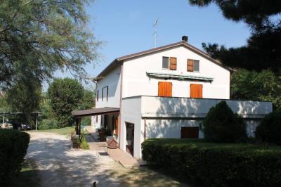 Villa bifamiliare in Vendita a Agugliano