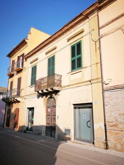 Casa singola in Vendita a Mosciano Sant'Angelo