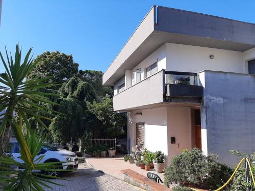 Villa in Vendita a Morro d'Oro