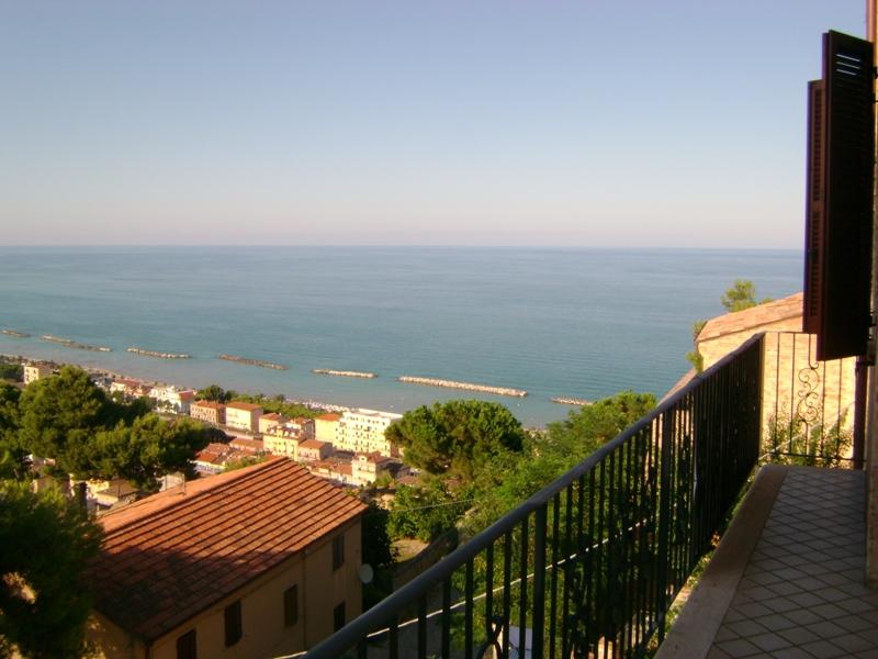 Appartamento in vendita a Cupra Marittima, 3 locali, prezzo € 270.000 | Cambio Casa.it