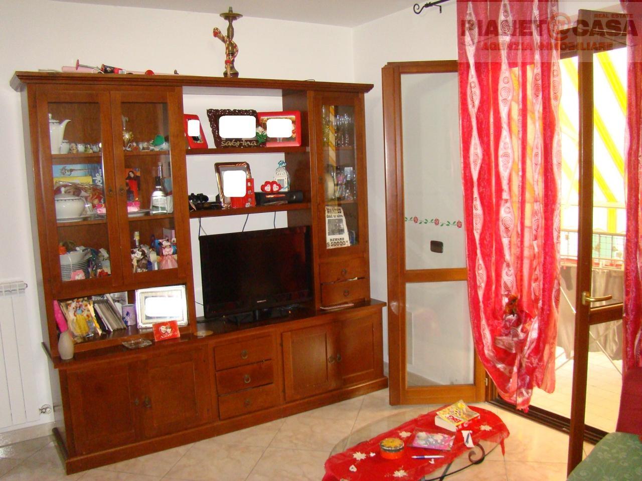 Appartamento in vendita a Spinetoli, 3 locali, zona Località: PAGLIAREDELTRONTO, prezzo € 87.000 | CambioCasa.it