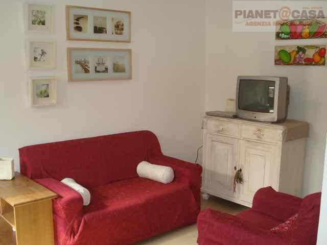Soluzione Indipendente in vendita a Grottammare, 6 locali, zona Località: LUNGOMARE, Trattative riservate | Cambio Casa.it