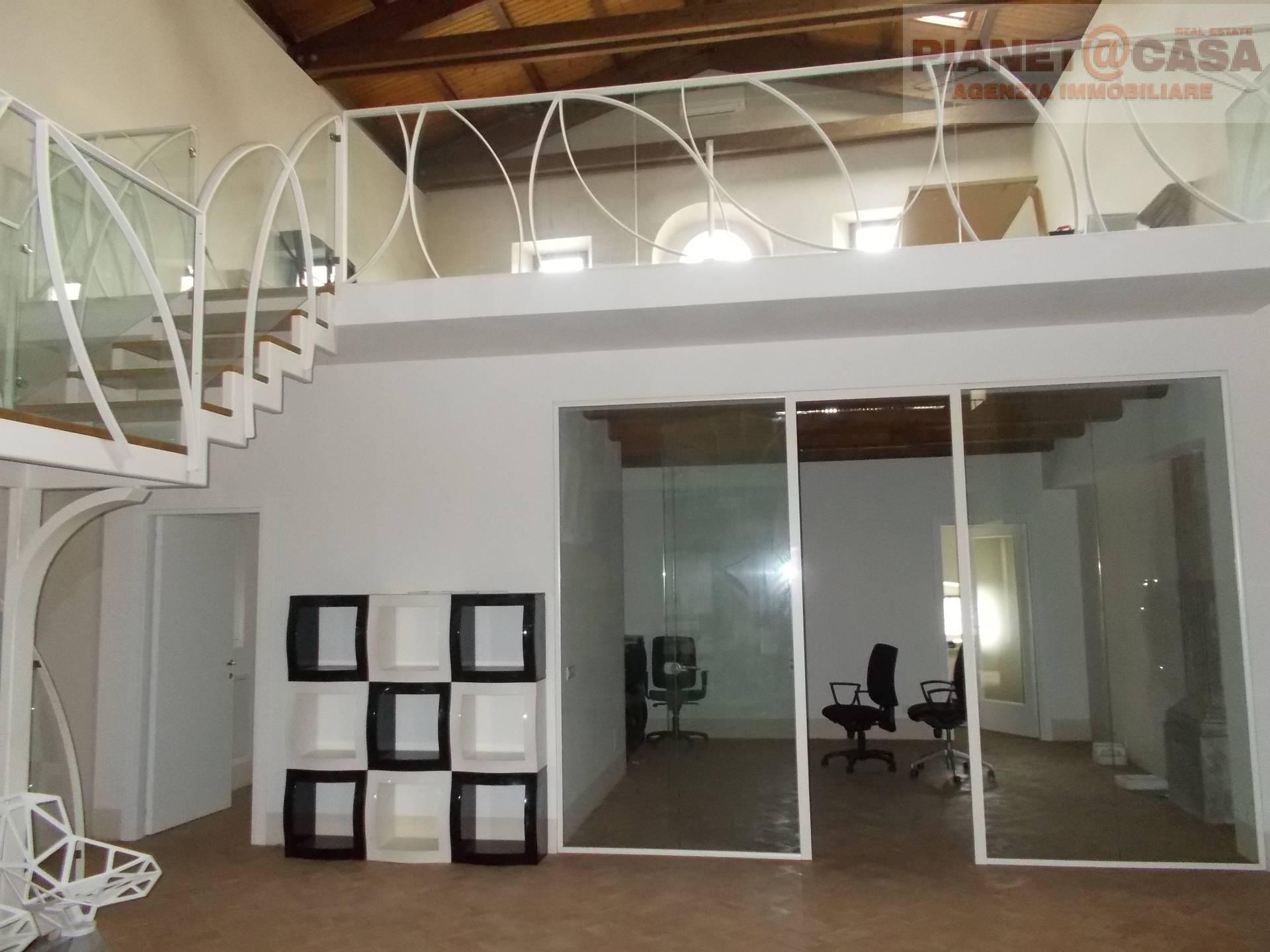 Appartamento in affitto a Ascoli Piceno, 5 locali, zona Località: CENTRO, prezzo € 1.450 | Cambio Casa.it