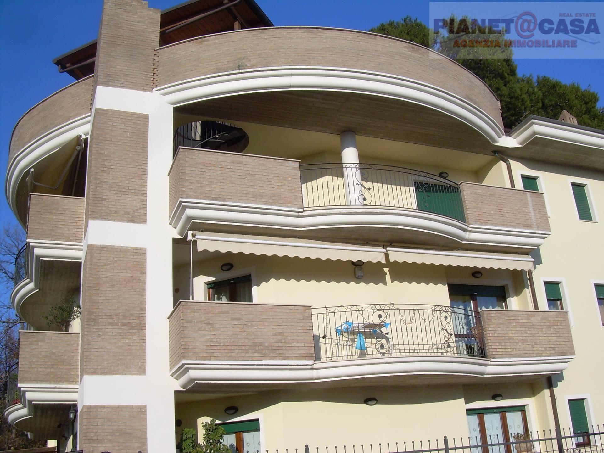 Appartamento in affitto a Castel di Lama, 5 locali, zona Zona: Piattoni, prezzo € 550 | Cambio Casa.it