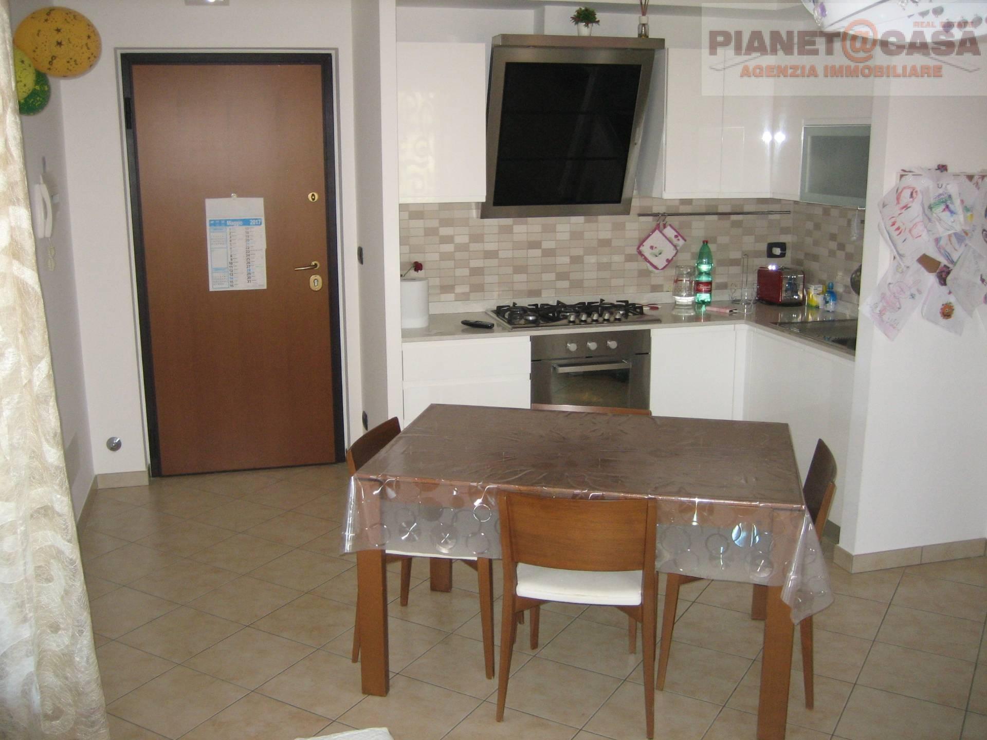 Appartamento in vendita a Acquaviva Picena, 3 locali, prezzo € 140.000 | CambioCasa.it