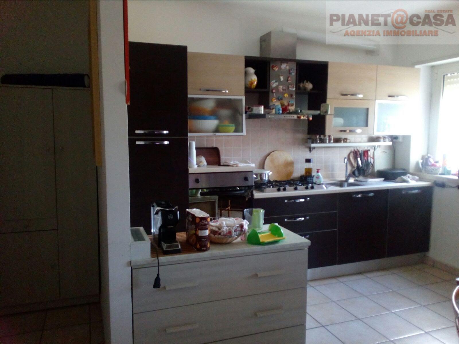 Appartamento in vendita a Castorano, 3 locali, zona Località: SANSILVESTRO, prezzo € 125.000 | CambioCasa.it