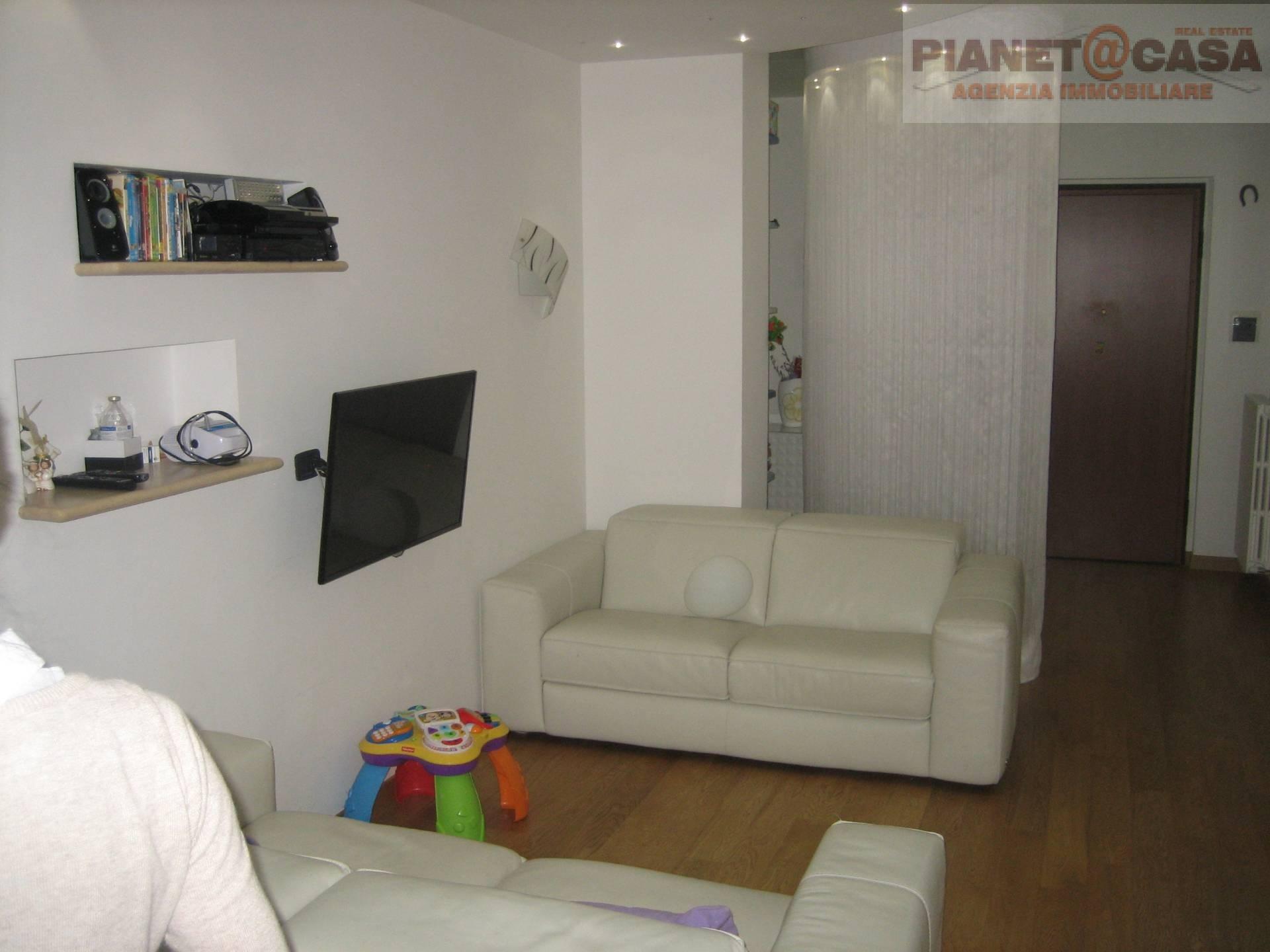 Appartamento in vendita a Castel di Lama, 5 locali, zona Zona: Piattoni, prezzo € 150.000 | CambioCasa.it