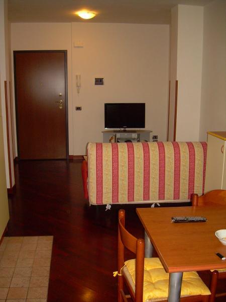 Appartamento in vendita a Monteprandone, 2 locali, zona Zona: Centobuchi, prezzo € 95.000 | CambioCasa.it