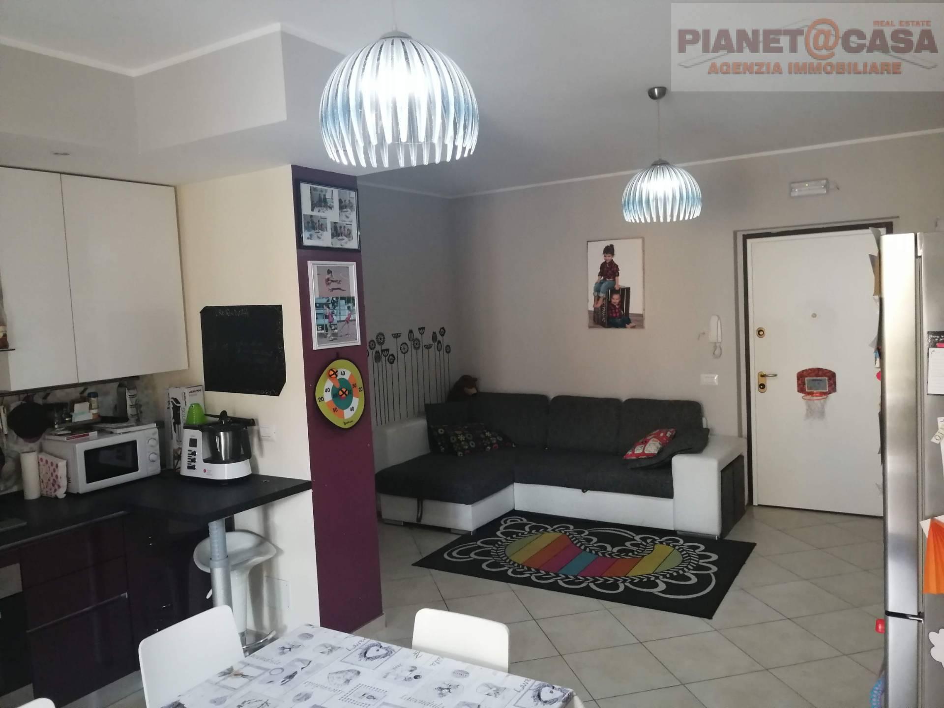 Appartamento in vendita a Castel di Lama, 3 locali, zona Zona: Piattoni, prezzo € 129.000 | CambioCasa.it