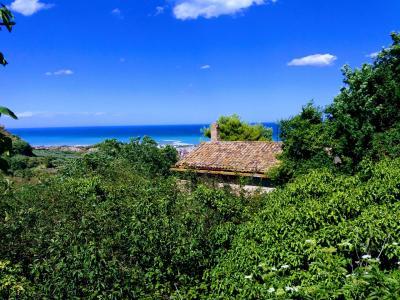 Rustico + Terreno in Vendita a San Benedetto del Tronto