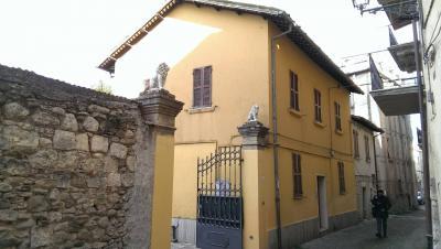 casa affiancata cielo - terra in Affitto a Ascoli Piceno