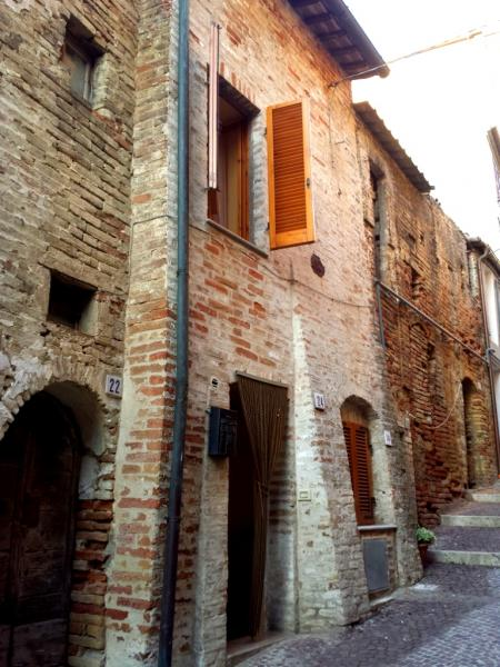 Villa in Vendita a Monsampolo del Tronto