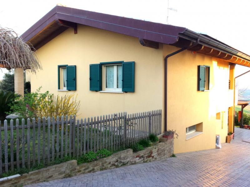 Villa in vendita a Colonnella, 8 locali, prezzo € 358.000 | Cambio Casa.it