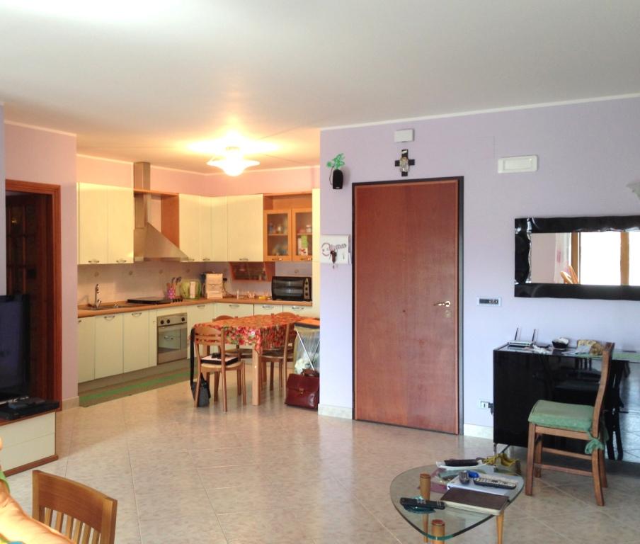 Appartamento in vendita a Spinetoli, 5 locali, zona Località: PAGLIAREDELTRONTO, prezzo € 170.000   Cambio Casa.it