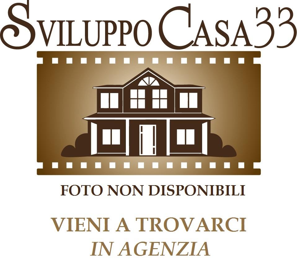 Villa in vendita a Colonnella, 8 locali, prezzo € 400.000 | Cambio Casa.it