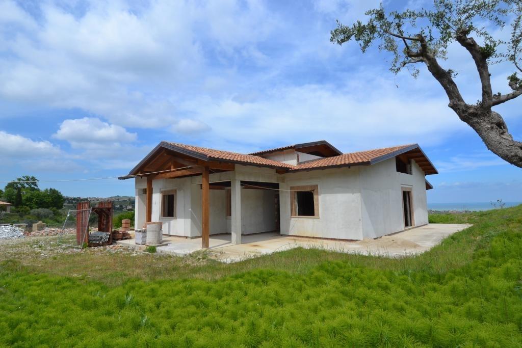 Villa in vendita a Acquaviva Picena, 10 locali, prezzo € 295.000 | Cambio Casa.it
