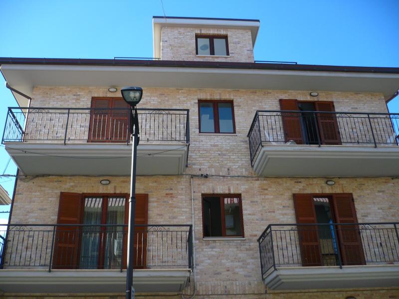 Appartamento in vendita a San Benedetto del Tronto, 2 locali, zona Località: MARE, Trattative riservate | Cambio Casa.it