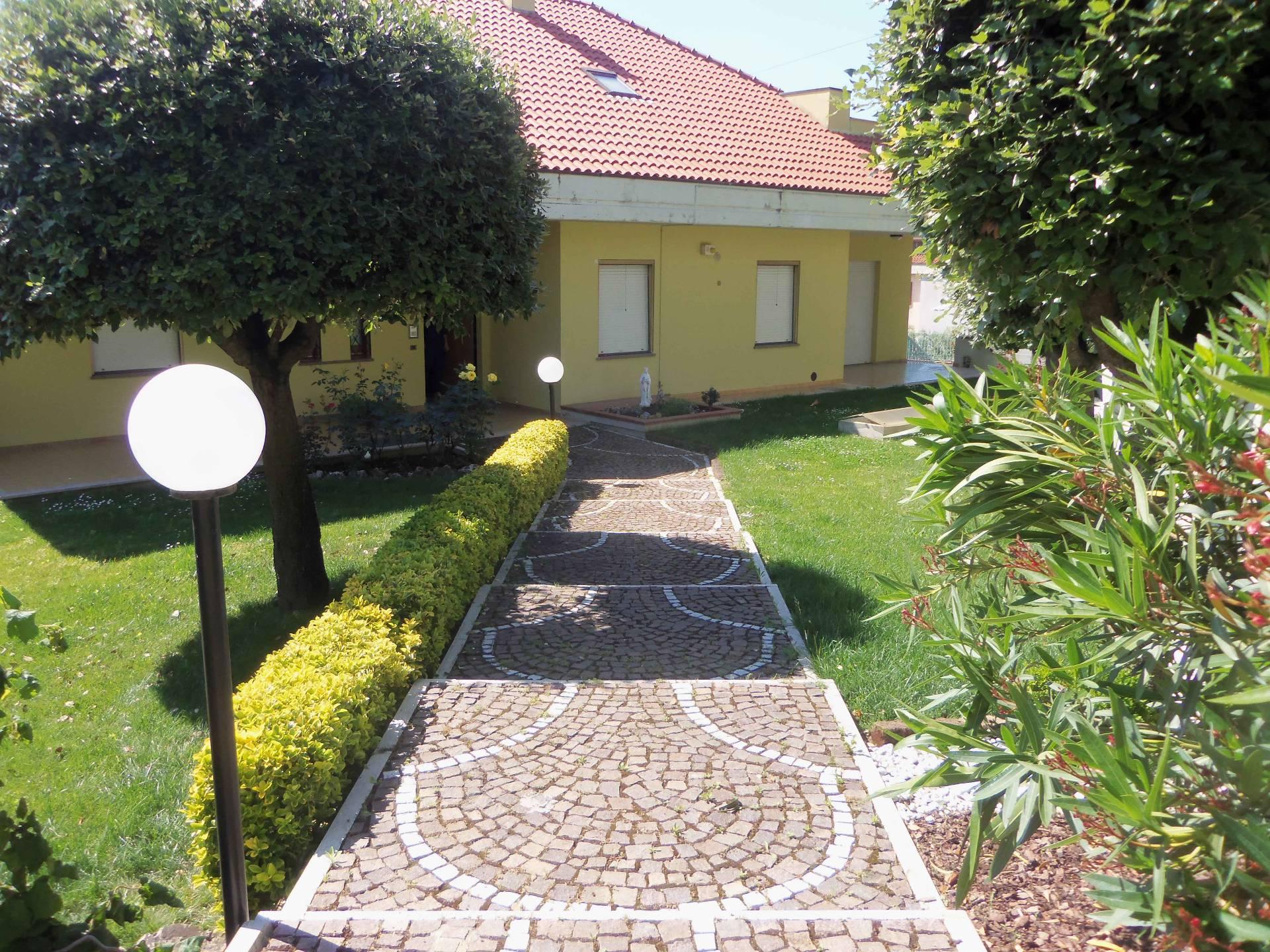 Foto - Villa In Vendita Acquaviva Picena (ap)