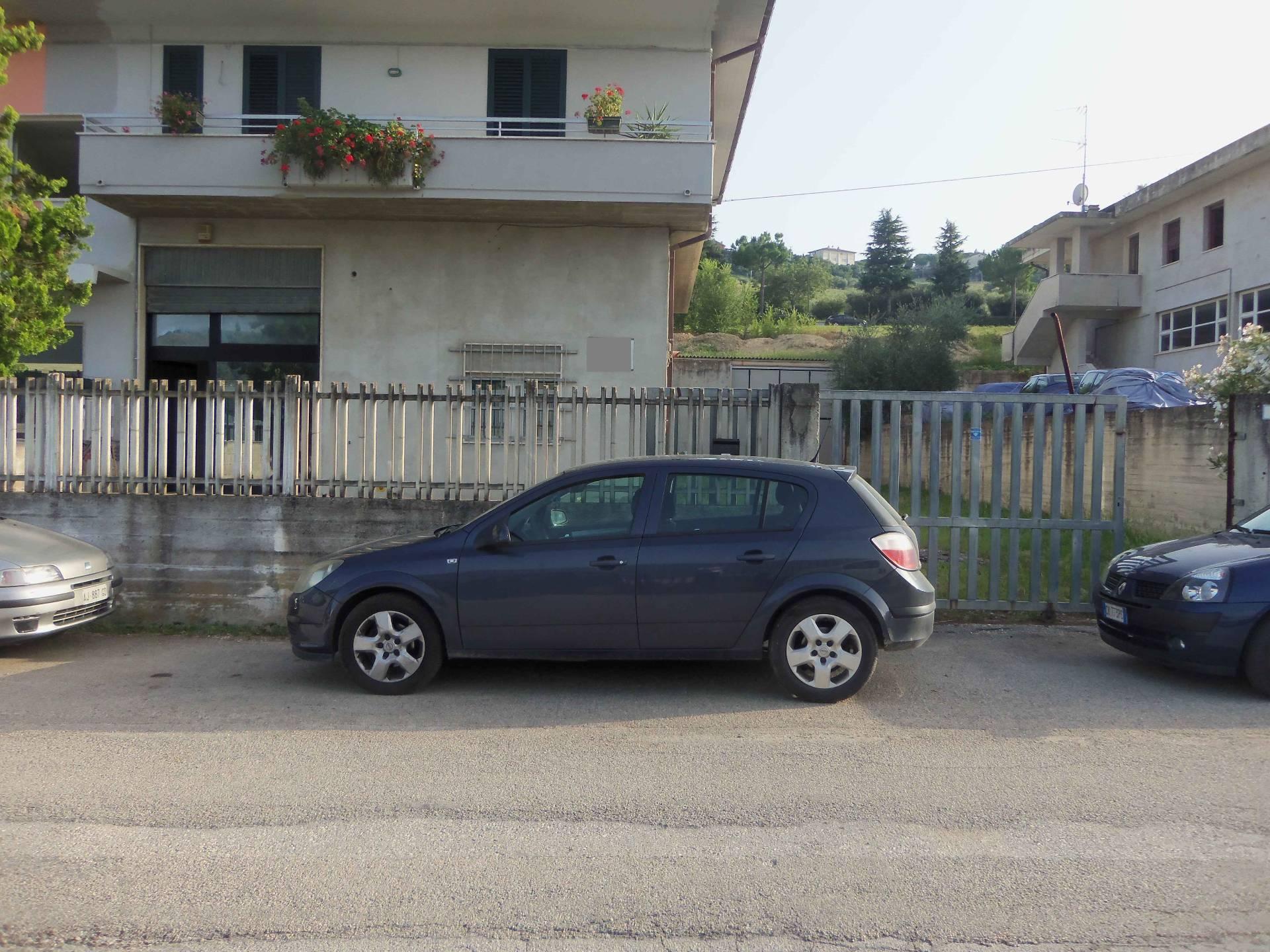 Capannone in vendita a Acquaviva Picena, 9999 locali, prezzo € 130.000 | Cambio Casa.it