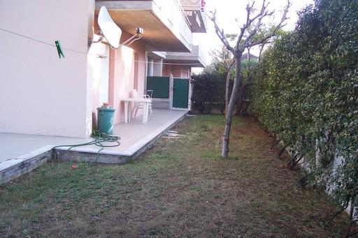 Appartamento in vendita a Acquaviva Picena, 3 locali, zona Località: Residenziale, prezzo € 100.000 | Cambio Casa.it