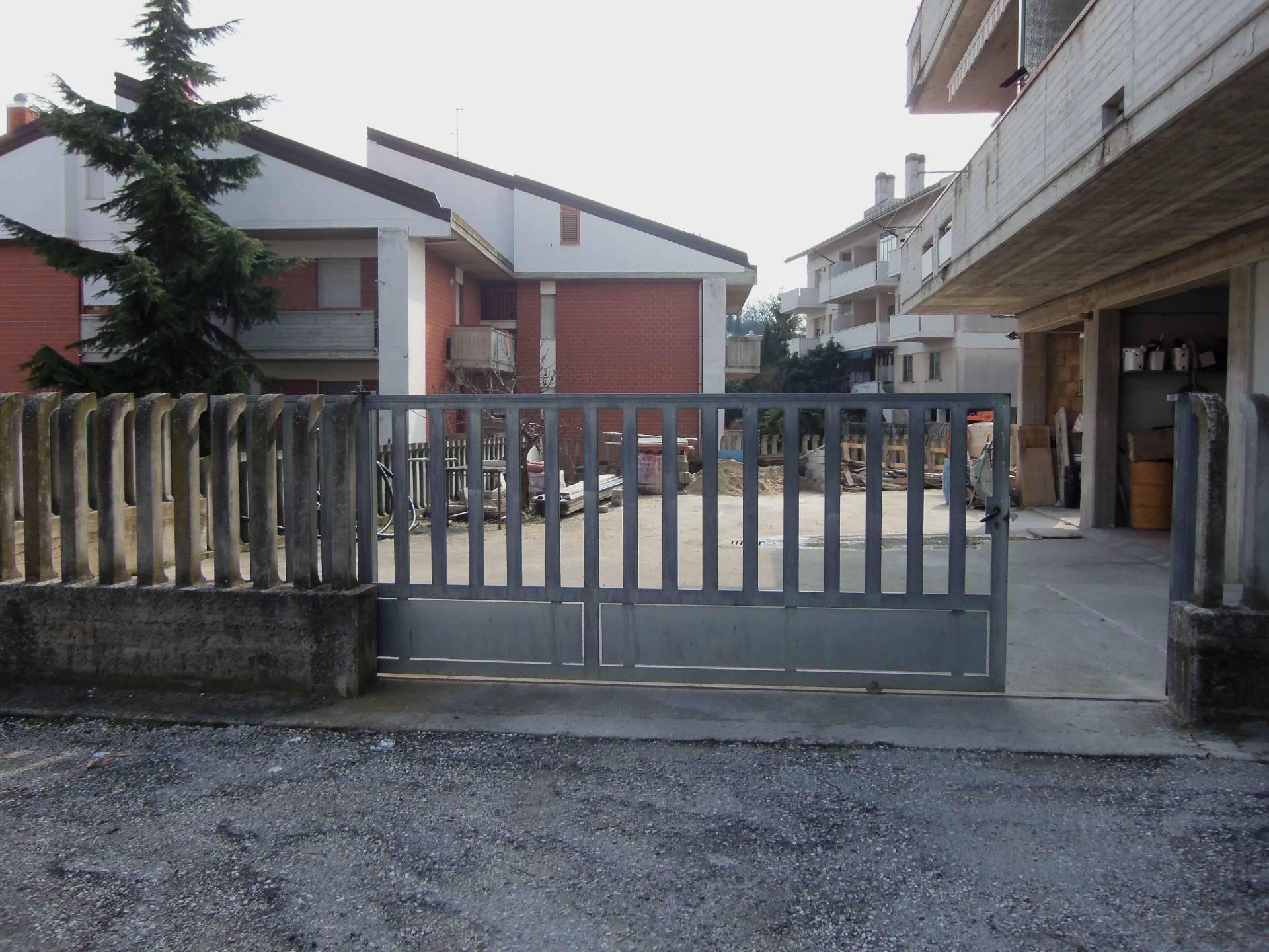 Magazzino in Vendita a Acquaviva Picena