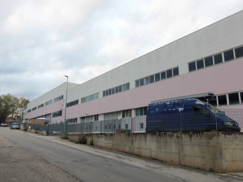 Locale artigianale/laboratorio in Vendita a Acquaviva Picena