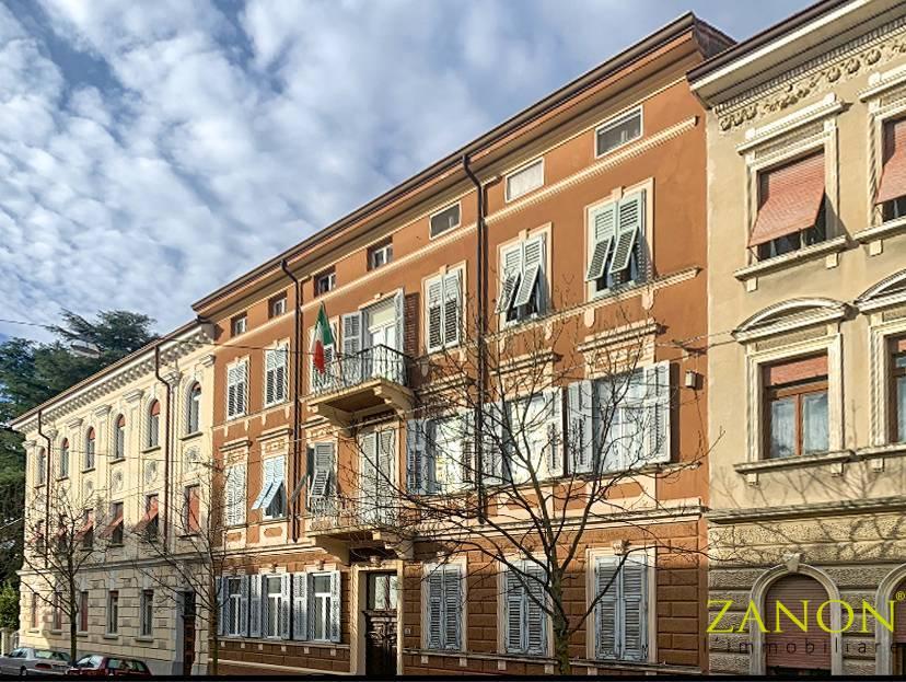Appartamento in vendita a Gorizia, 8 locali, zona Località: CentraleCorsi, prezzo € 75.000   PortaleAgenzieImmobiliari.it