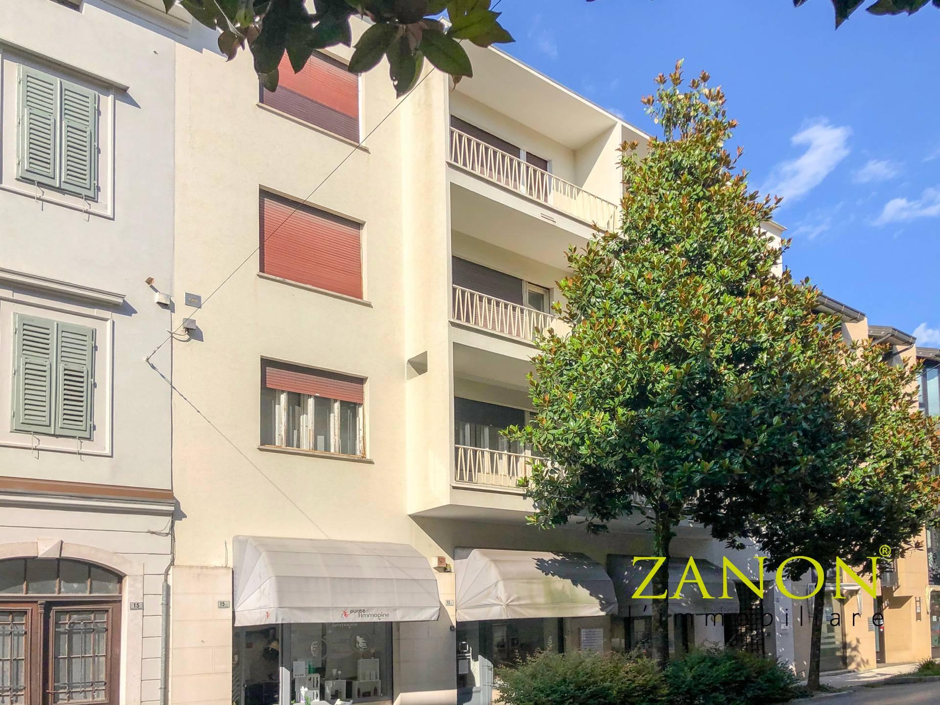 Appartamento in vendita a Gorizia, 7 locali, zona Località: CentraleCorsi, prezzo € 190.000   PortaleAgenzieImmobiliari.it