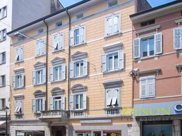Appartamento in vendita a Gorizia, 4 locali, zona Località: CentraleCorsi, prezzo € 172.000   PortaleAgenzieImmobiliari.it