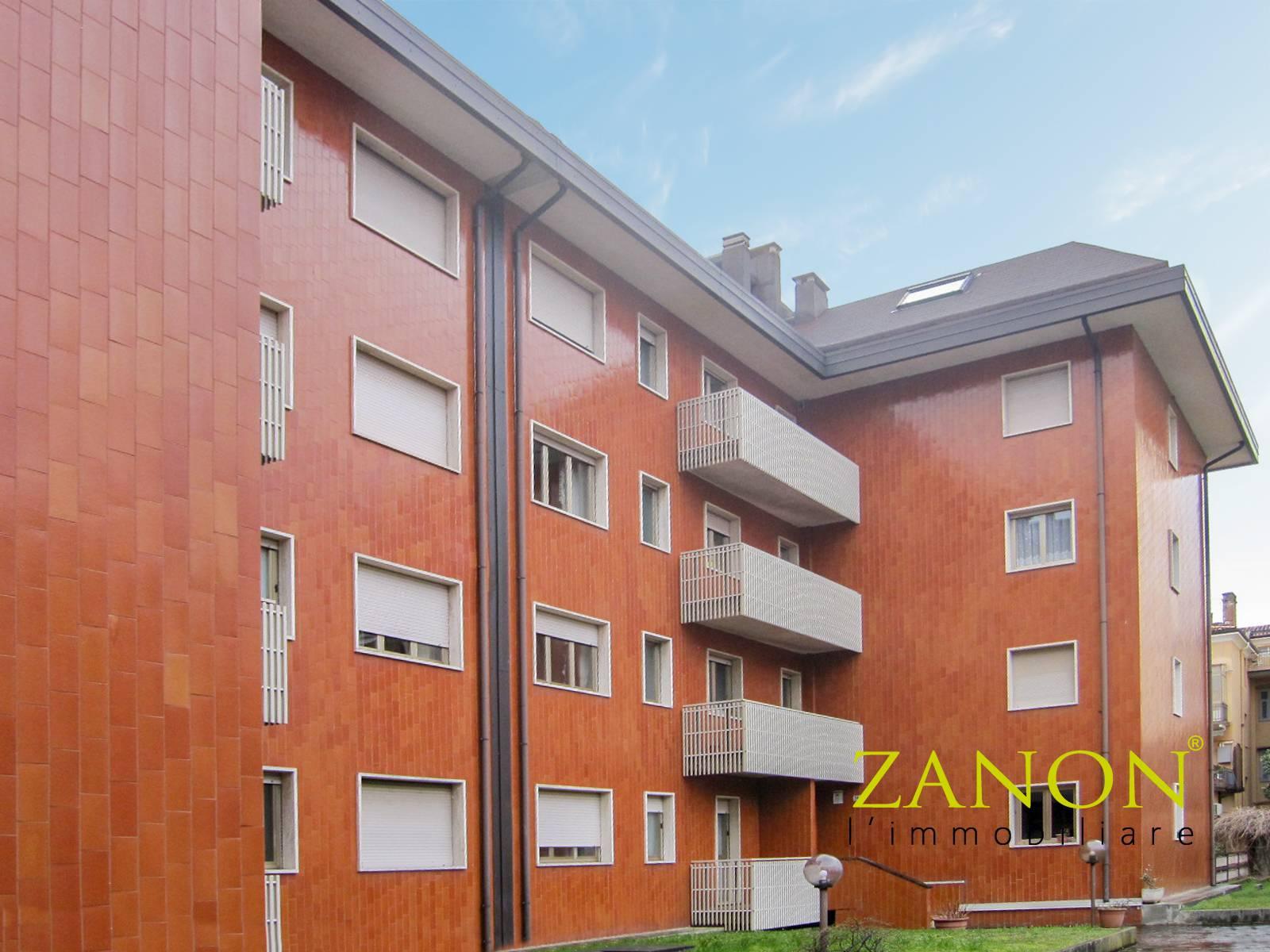 Appartamento in vendita a Gorizia, 7 locali, zona Località: CentraleCorsi, prezzo € 125.000   PortaleAgenzieImmobiliari.it