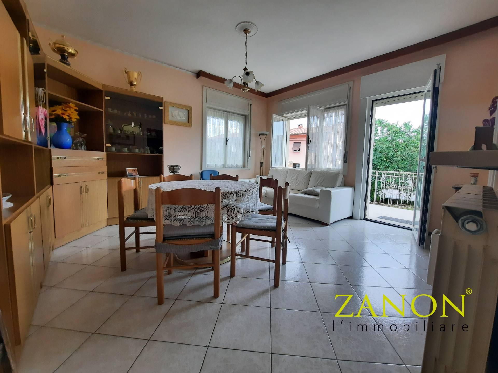 Appartamento in vendita a Gorizia, 9 locali, zona nico, prezzo € 60.000   PortaleAgenzieImmobiliari.it
