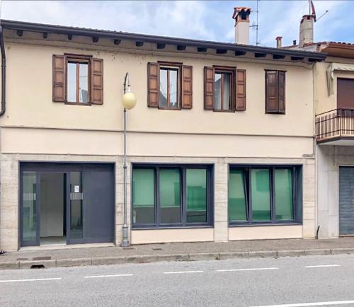 Locale commerciale in Affitto a Mariano del Friuli