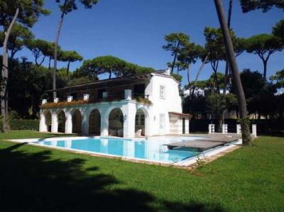 in Summer Rental<br>to Forte dei Marmi