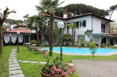 Villa in Affitto stagionale<br>a Forte dei Marmi