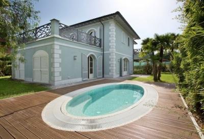 Villa in Vendita a Forte dei Marmi