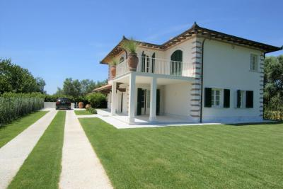 Villa in Affitto stagionale a Pietrasanta