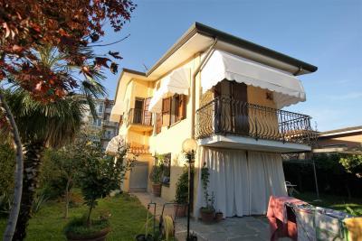 Casa Indipendente in Vendita a Seravezza