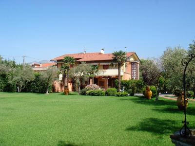 Villa in Affitto stagionale a Massa