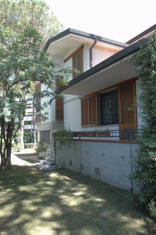 Villa in Vendita a Pietrasanta