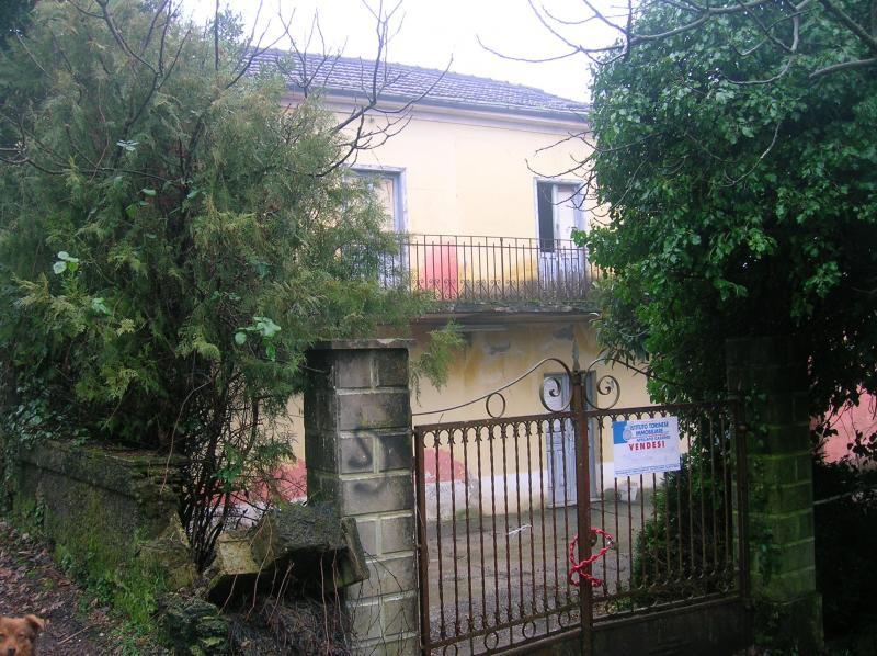 Rustico / Casale in vendita a Cassino, 7 locali, prezzo € 59.000   CambioCasa.it