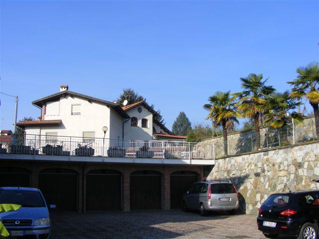 Appartamento in affitto a Viverone, 4 locali, prezzo € 430   CambioCasa.it