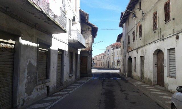 Palazzo / Stabile in vendita a Livorno Ferraris, 12 locali, prezzo € 99.000 | CambioCasa.it