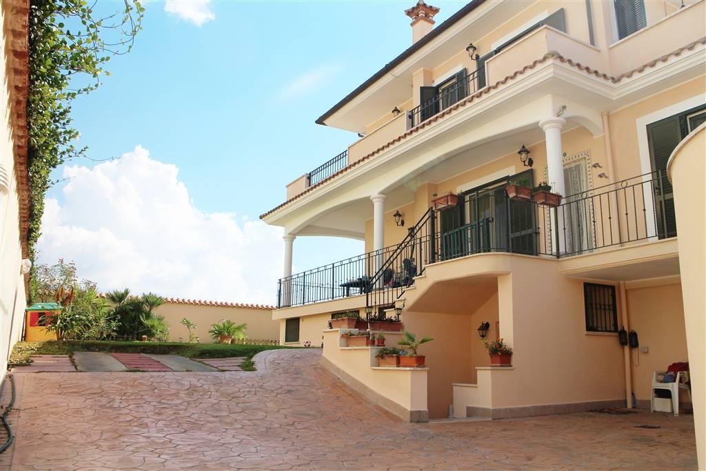 Villa - Casa, 170 Mq, Vendita - Anzio (RM)